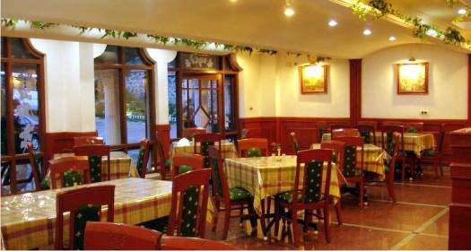 Restaurant in JC Residency in Kodaikanal